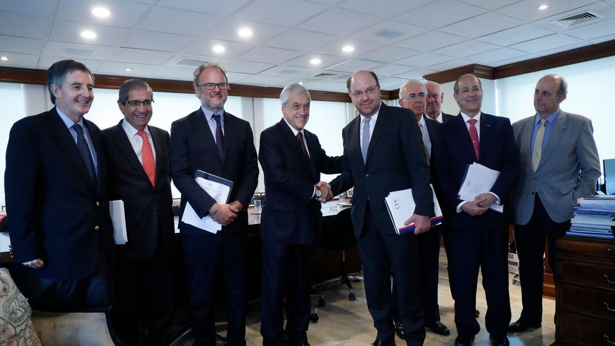 Ex Ministro de Hacienda Rodrigo Valdés tuvo larga reunión con Sebastián Piñera