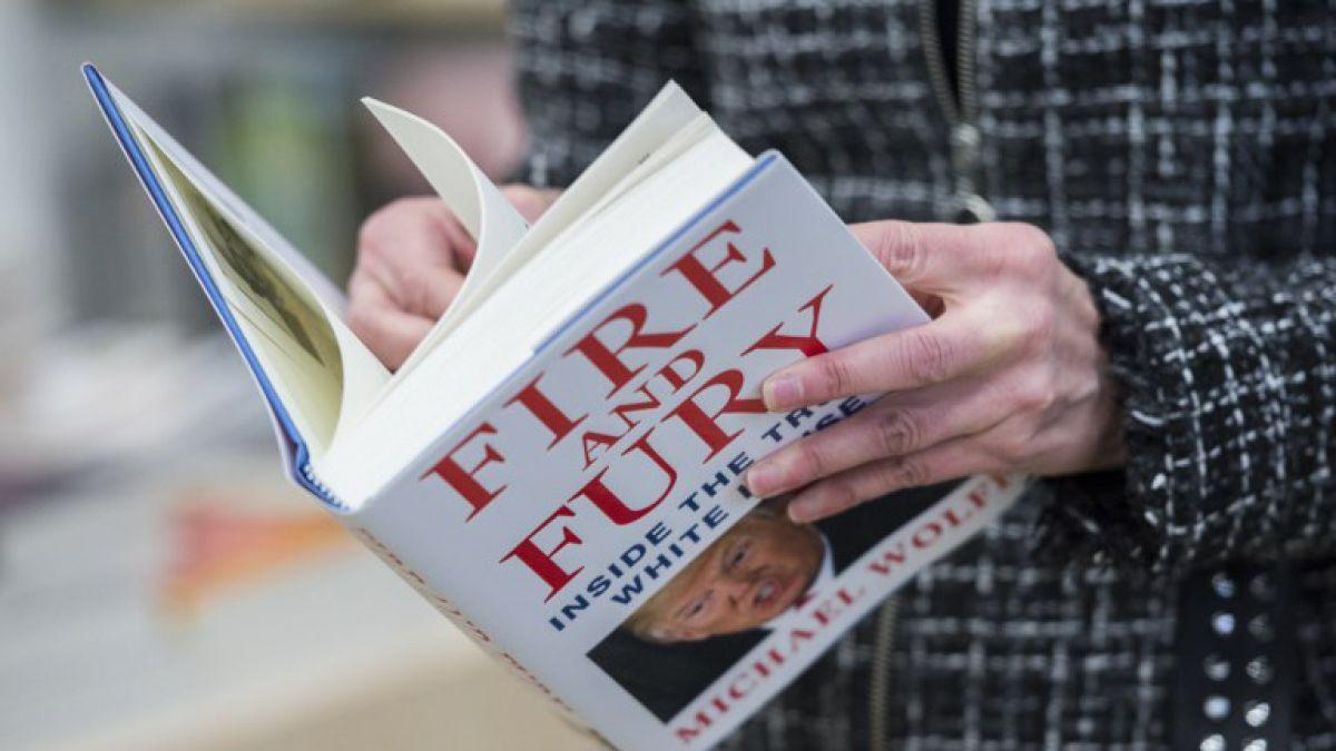 Una confusión de los lectores hace que el otro Fire and Fury se convierta en bestseller