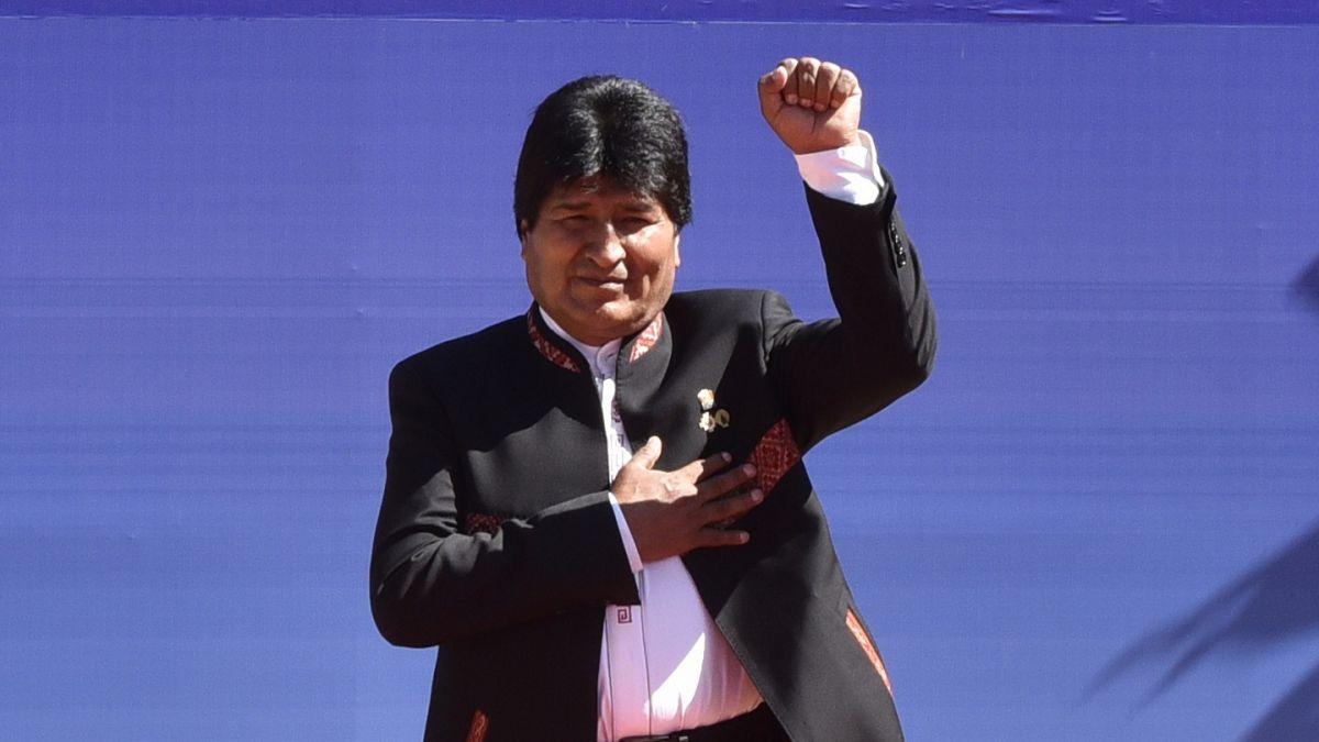 Firman en Bolivia decretos para proteger a niños y adolescentes