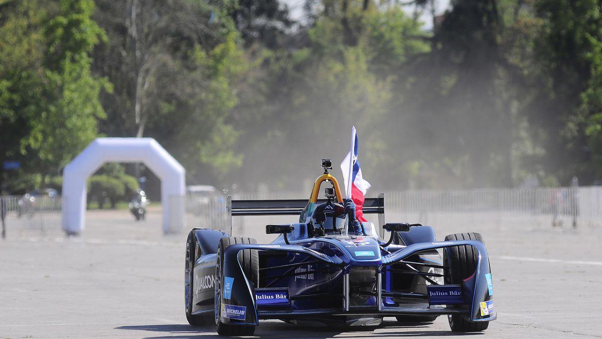 """Orrego destaca el debut de la Formula E: """"Promueve a Santiago como un destino turístico"""""""
