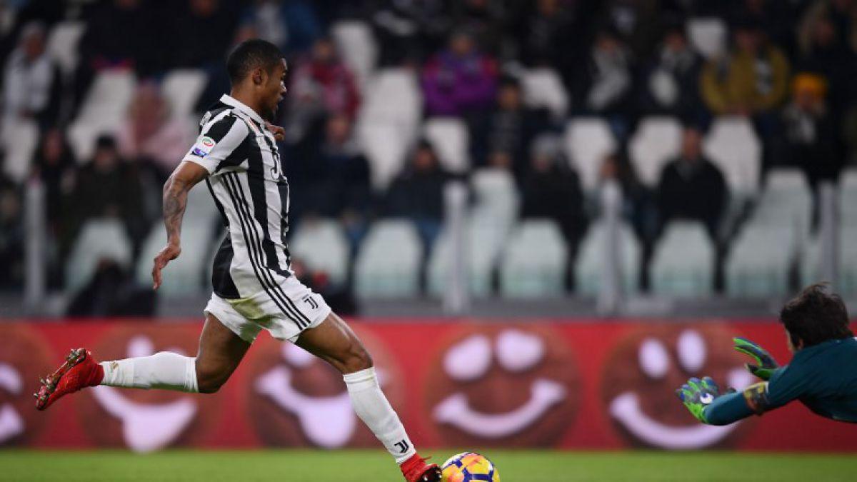 Douglas Costa le dio el triunfo a la Juventus ante el Genoa