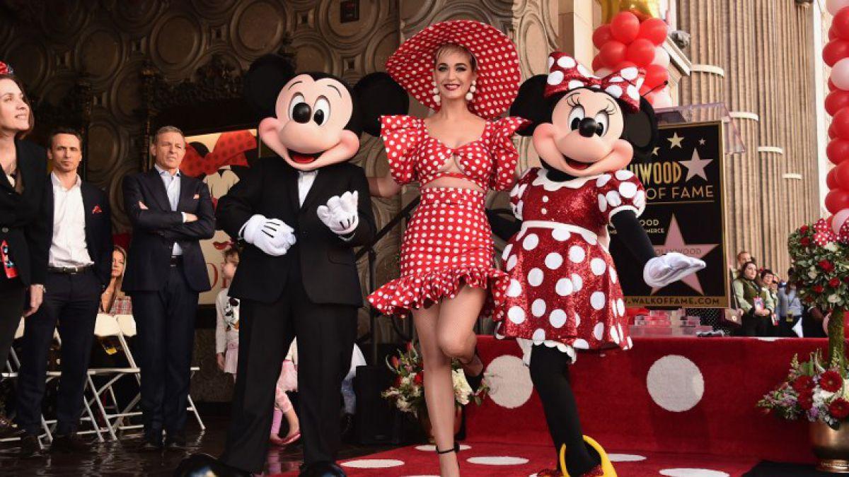Minnie Mouse devela su estrella en Hollywood ¡40 años después que Mickey!