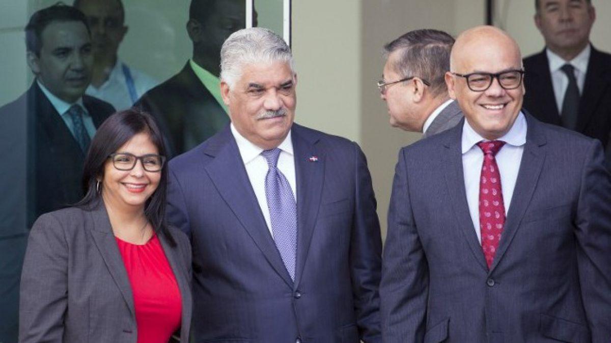 Diálogo continuará este miércoles y faltan dos puntos por definir — Rodríguez