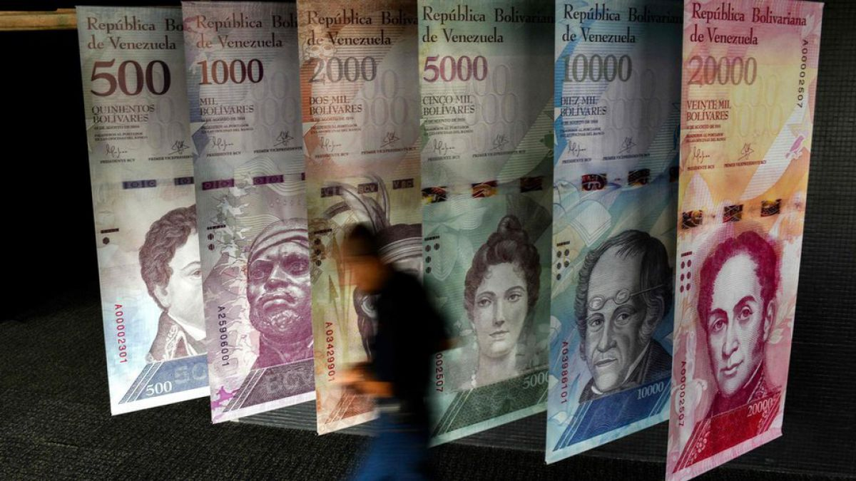 Venezuela estrena nuevo sistema de control de cambios con fuerte devaluación