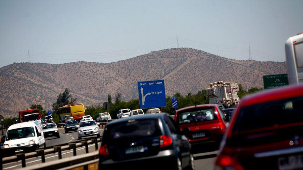 Hombre fallece atropellado tras quedar en panne en Autopista del Sol