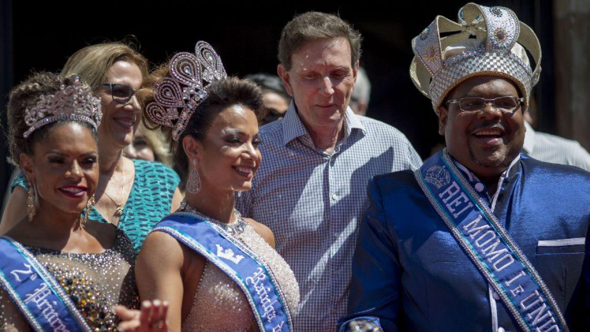 La Imagen del Día: El Vampiro Temer en los Carnavales de Río