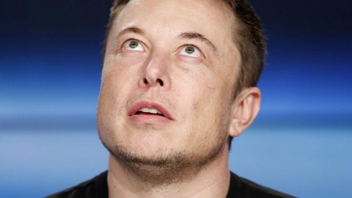 Quién es Elon Musk, el multimillonario creador de Tesla que lanzó su auto al espacio