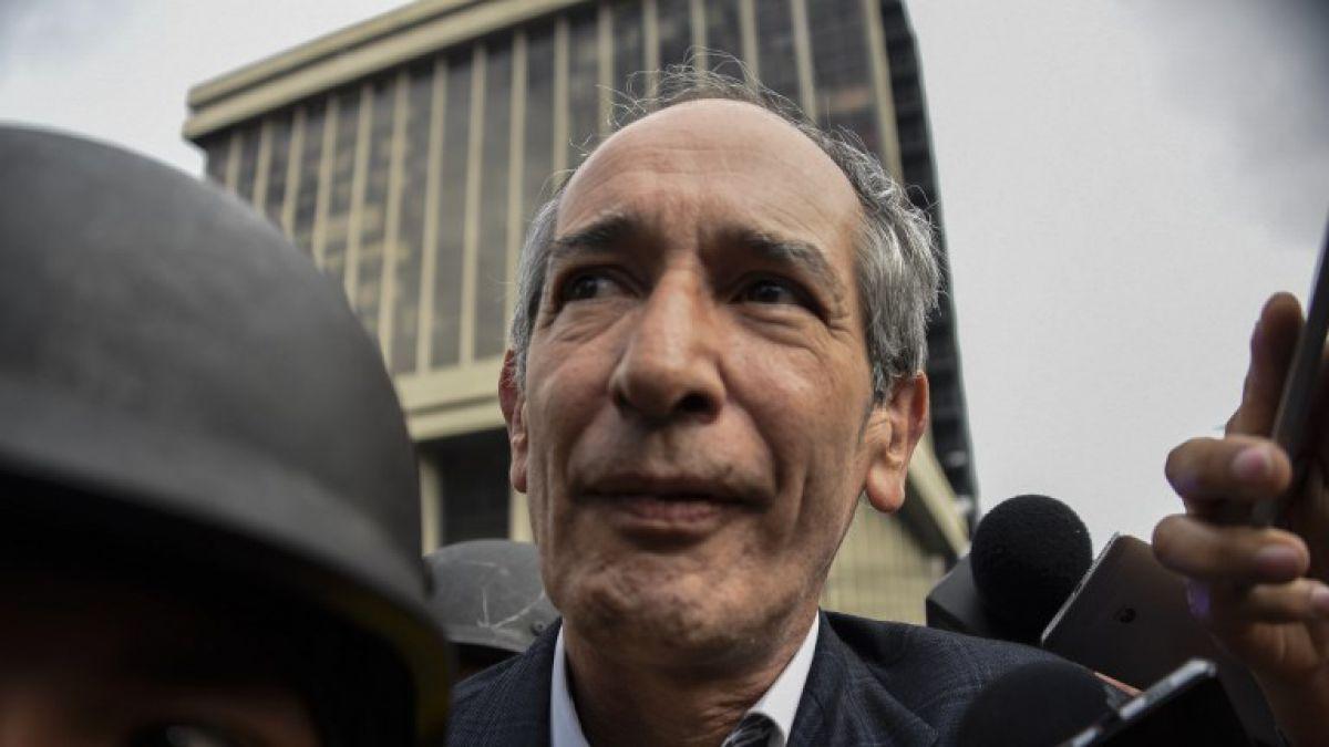Detienen a ex presidente de Guatemala Álvaro Colom por escándalo de corrupción