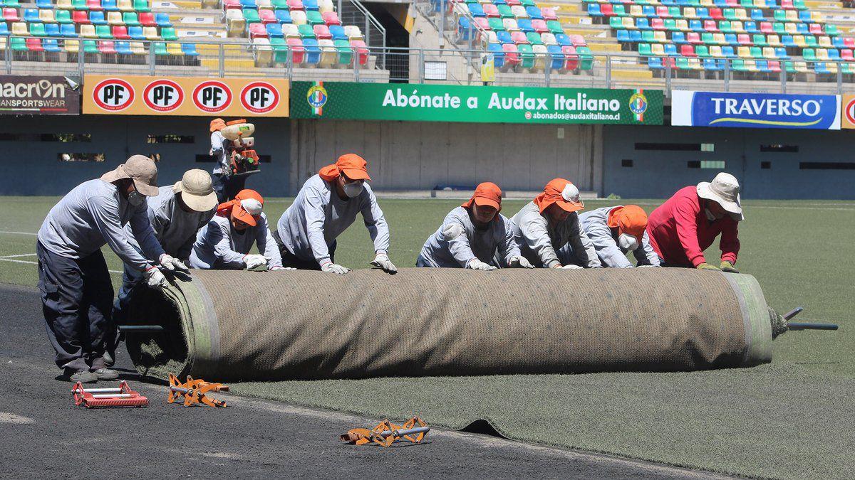 """Audax inicia renovación del césped en el Bicentenario: """"Estamos con los tiempos justos"""""""