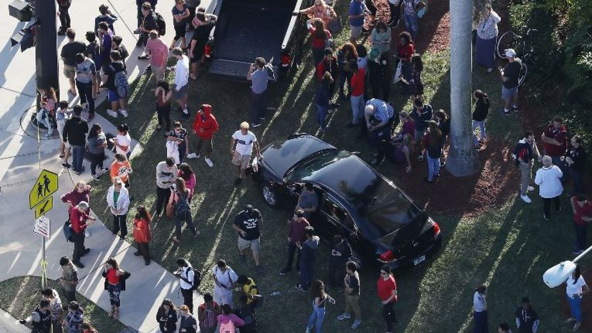 Tiroteo en colegio secundario de Florida deja 17 fallecidos