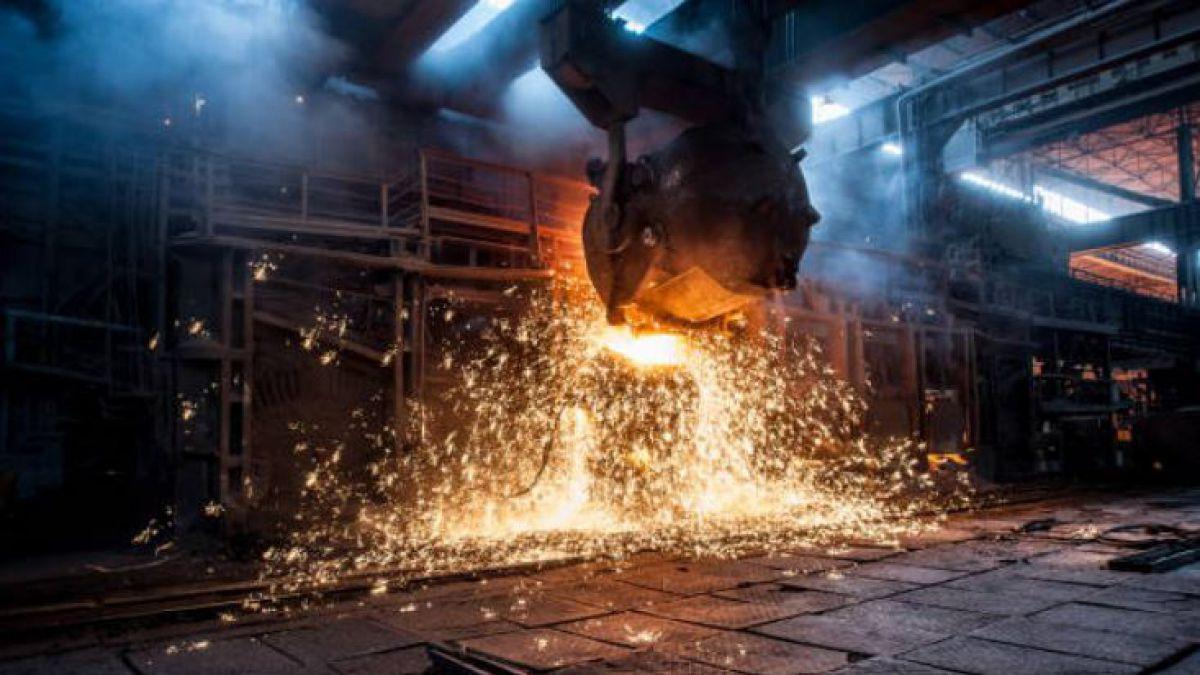 EE.UU. considera elevar tarifas a la importación de acero y aluminio
