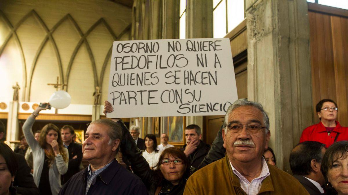 Hospitalizan a enviado papal que investiga violaciones en Chile