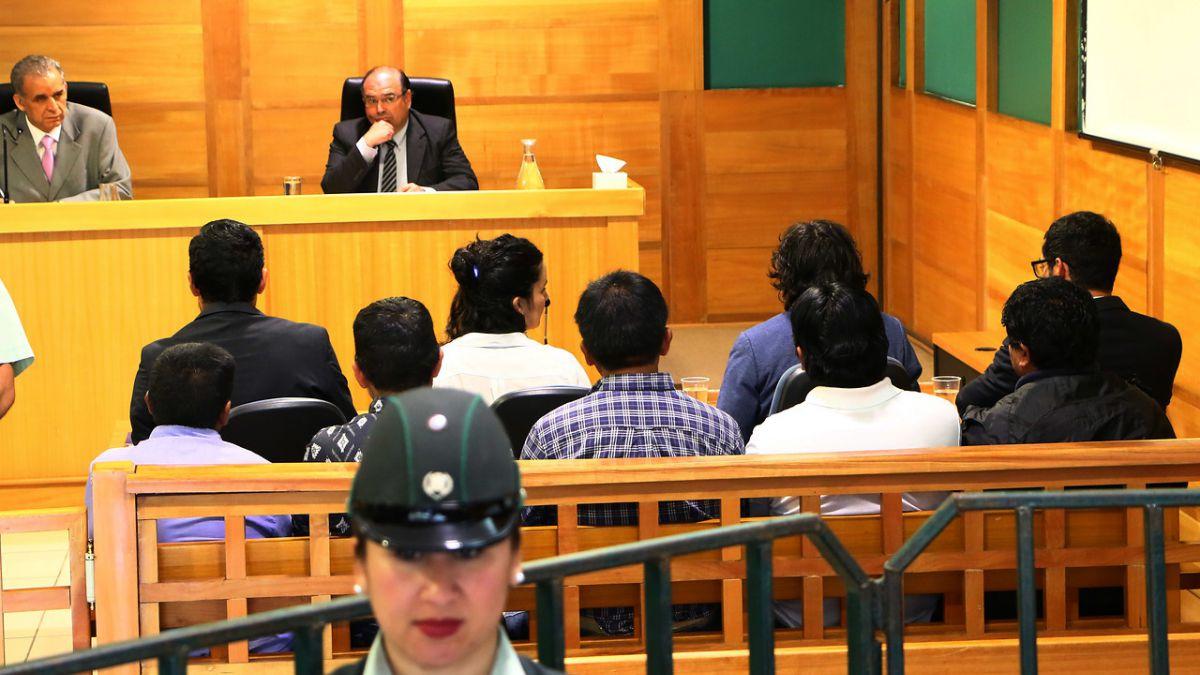 Caso Luchsinger: Tribunal mantiene medidas cautelares contra los 11 imputados