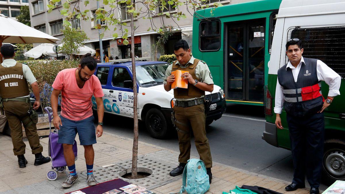 Resultado de imagen para vendedores ambulantes en santiago