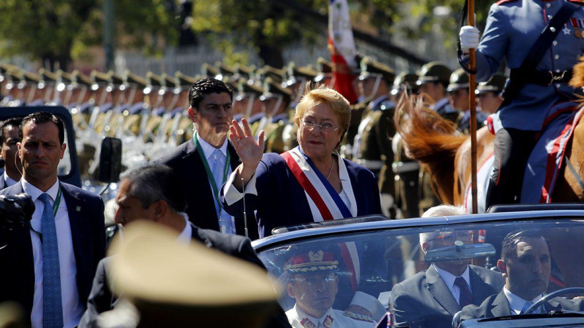 """""""Ciudadana y ex presidenta"""": la nueva biografía de Bachelet en Twitter"""