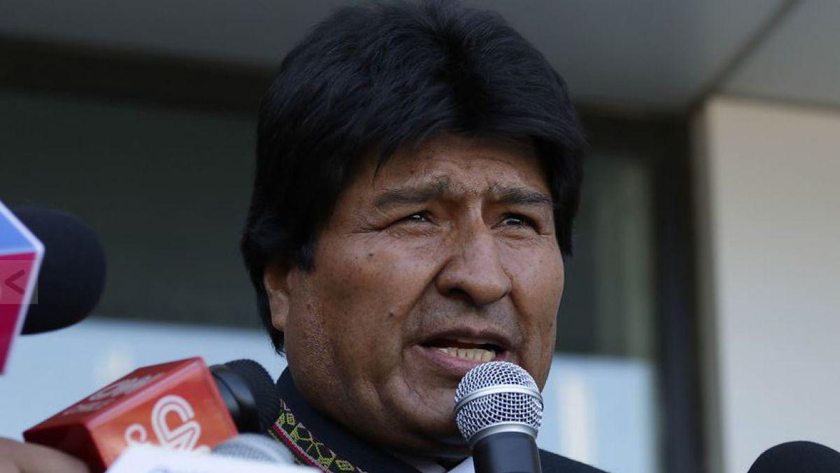 Evo Morales deja Chile tras el cambio de mando y llama a resolver heridas