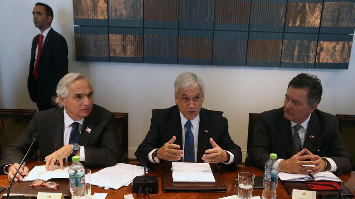 Presidente Piñera pide lealtad y compromiso a funcionarios