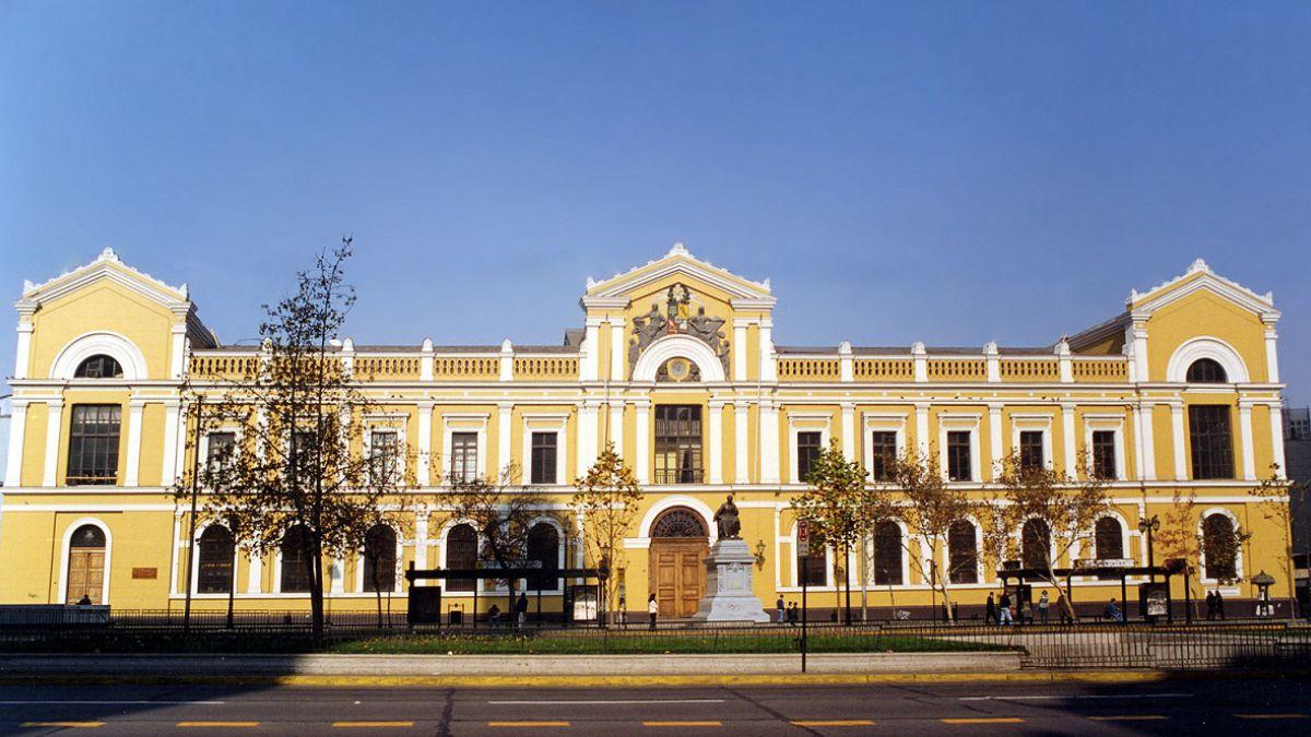 Universidad de Chile abre cursos gratuitos: revisa cómo conseguir un cupo