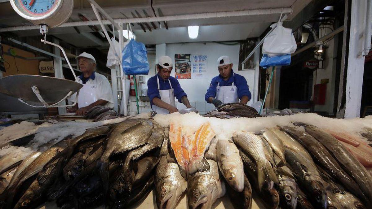 Semana Santa: Sernac advierte de casi $5 mil de diferencia en un kilo de reineta en Santiago