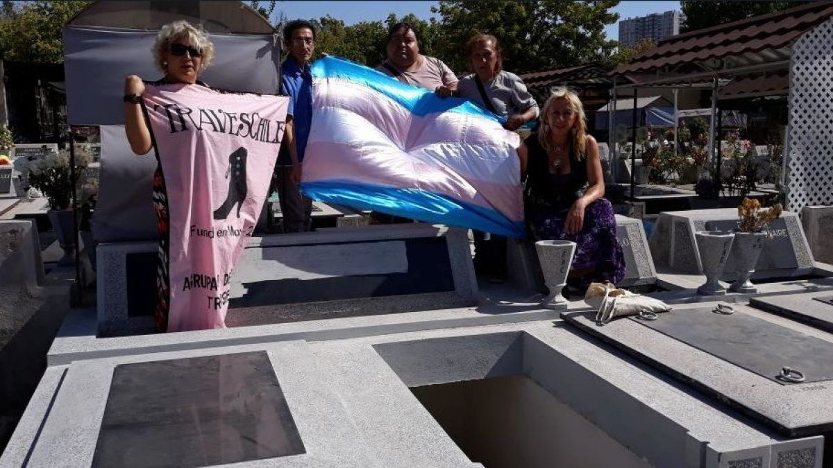 Chile inauguró el primer mausoleo trans de América Latina en el Cementerio General
