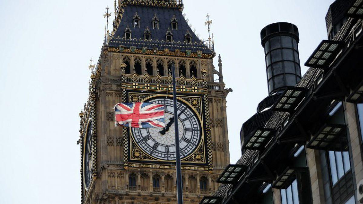 Reino Unido busca prohibir las bombillas y los cotones plásticos ...