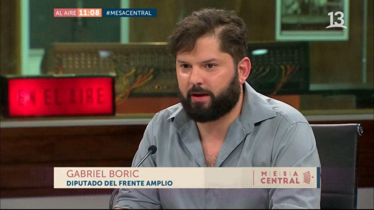Gabriel Boric amedrenta al ministro de Educación y lo interpela en programa de TV
