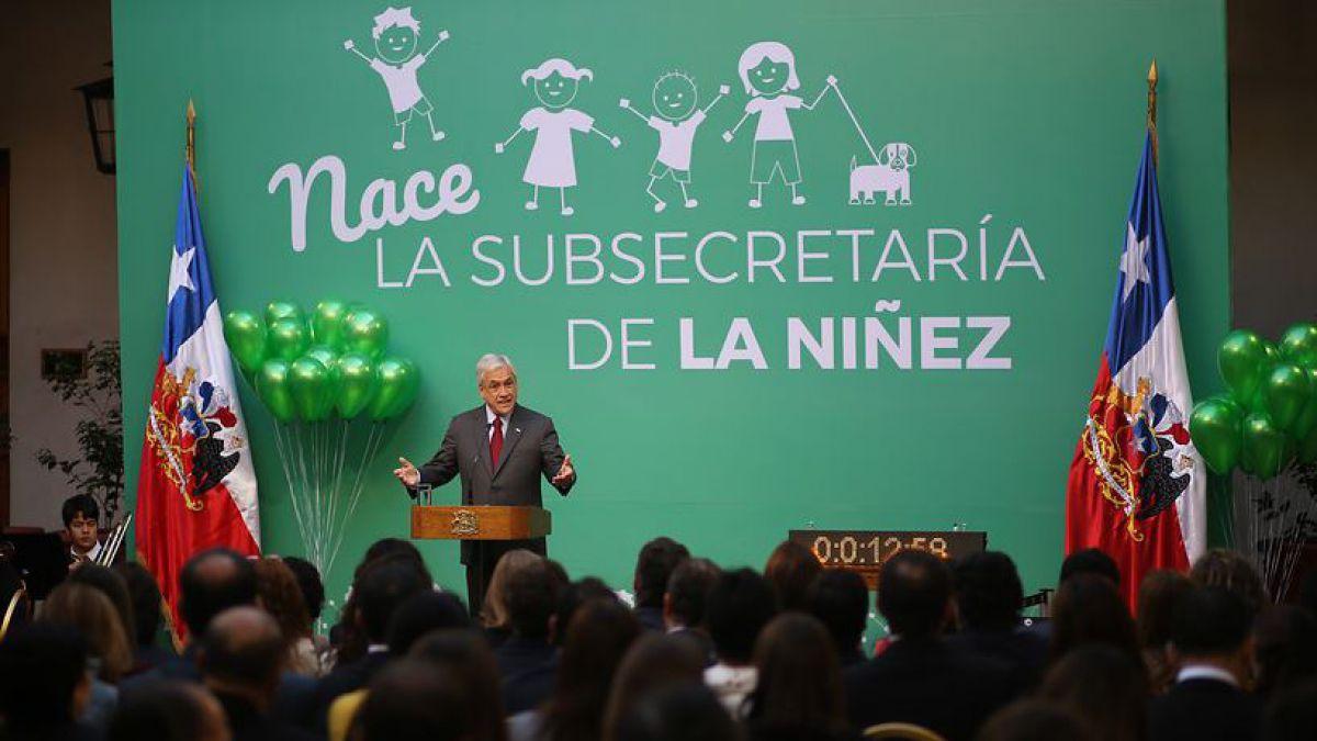 Con reconocimiento al Gobierno de Bachelet, Piñera promulgó Subsecretaría de la Niñez