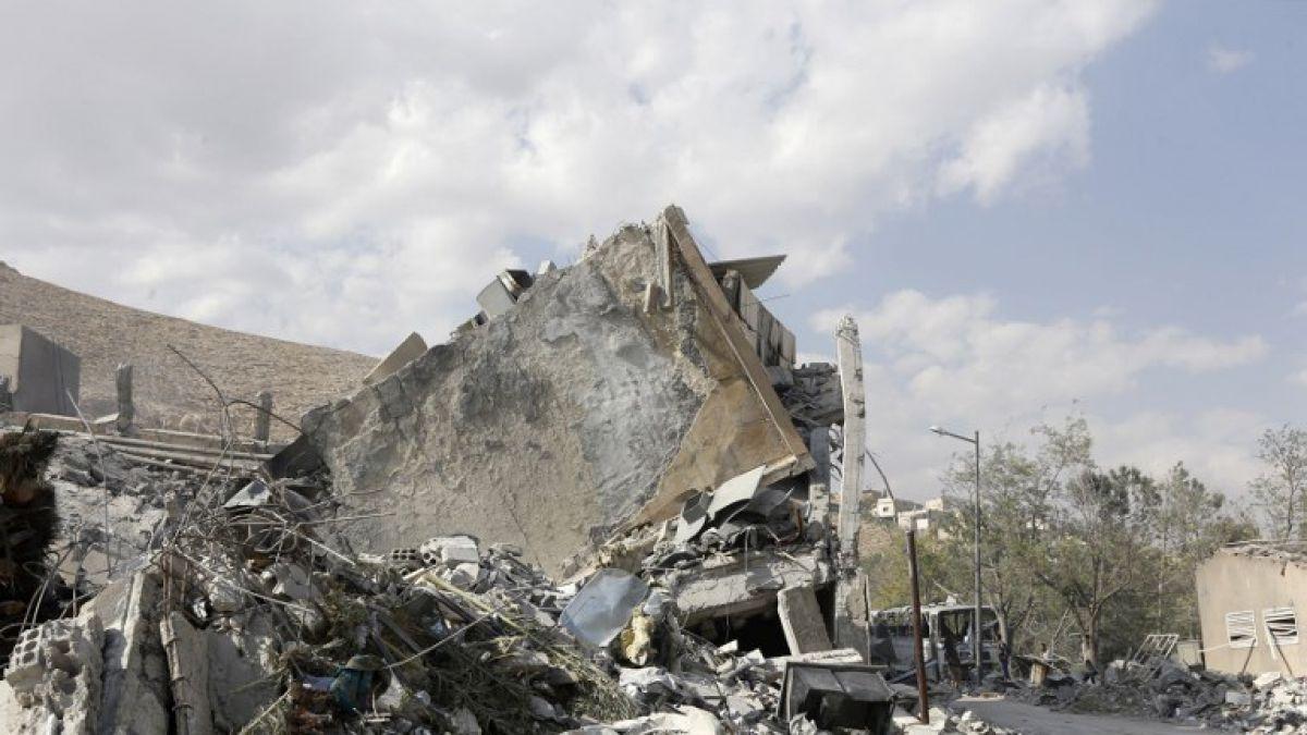 Bombardeo a posiciones militares sirias deja al menos 38 muertos