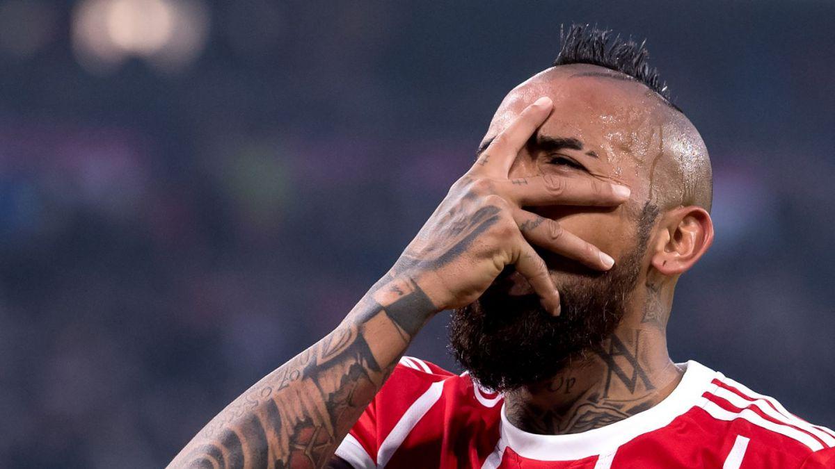 Vidal se someterá a una artroscopía y es duda para la semifinal de Champions