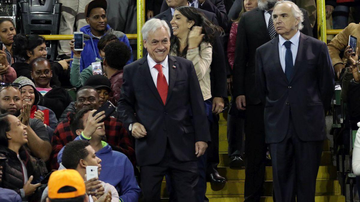 Piñera inicia regularización de migrantes