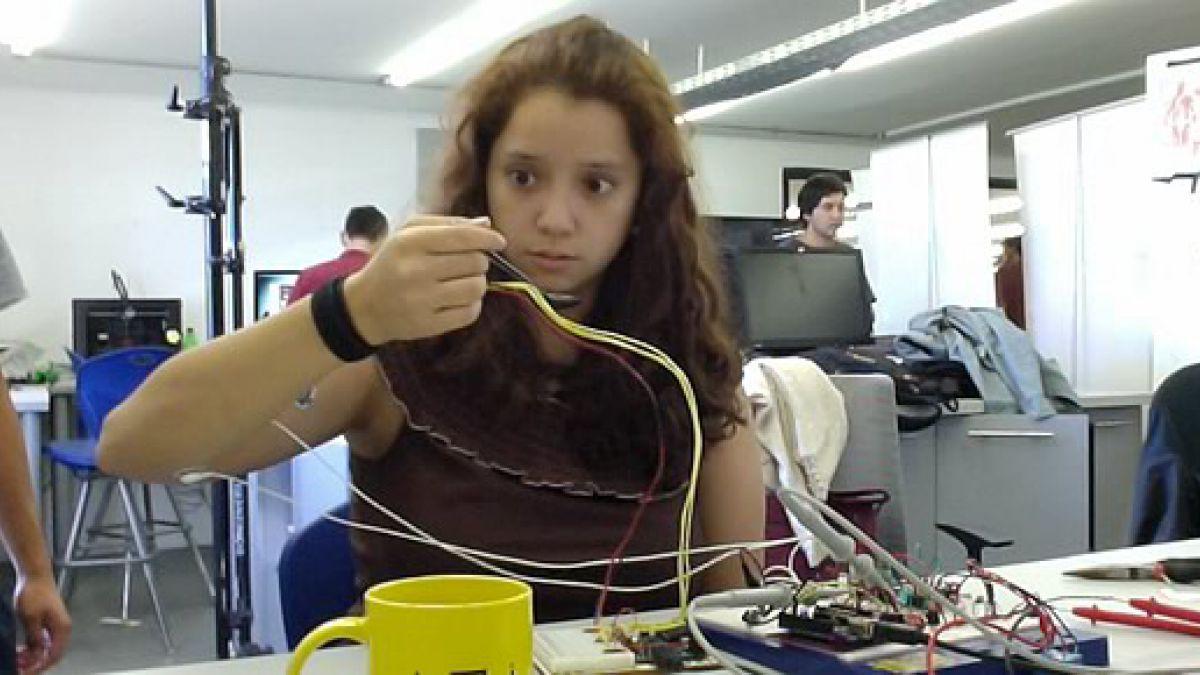 Estudiantes chilenos crean dispositivo para combatir temblores de las manos