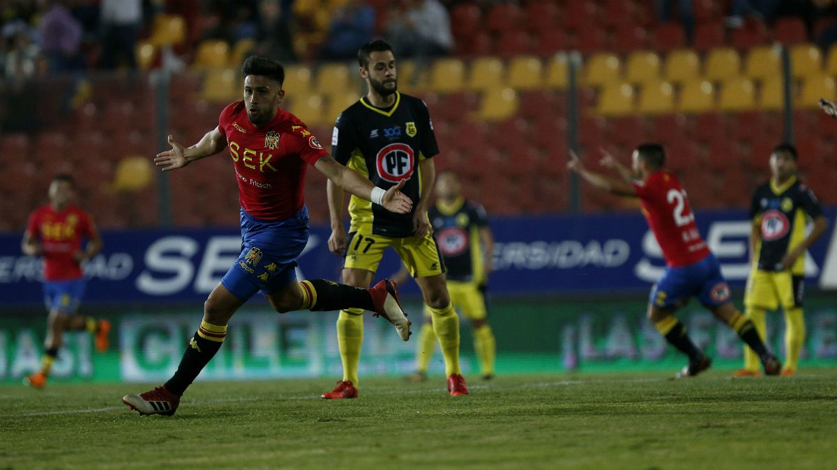 Unión Española golea a San Luis en el arranque de la fecha 12 del Campeonato