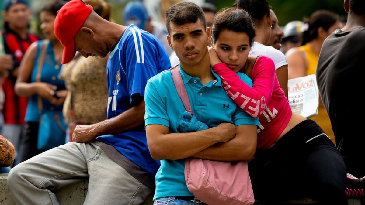 ¿Cómo sale Venezuela de la crisis? La visión de 3 economistas