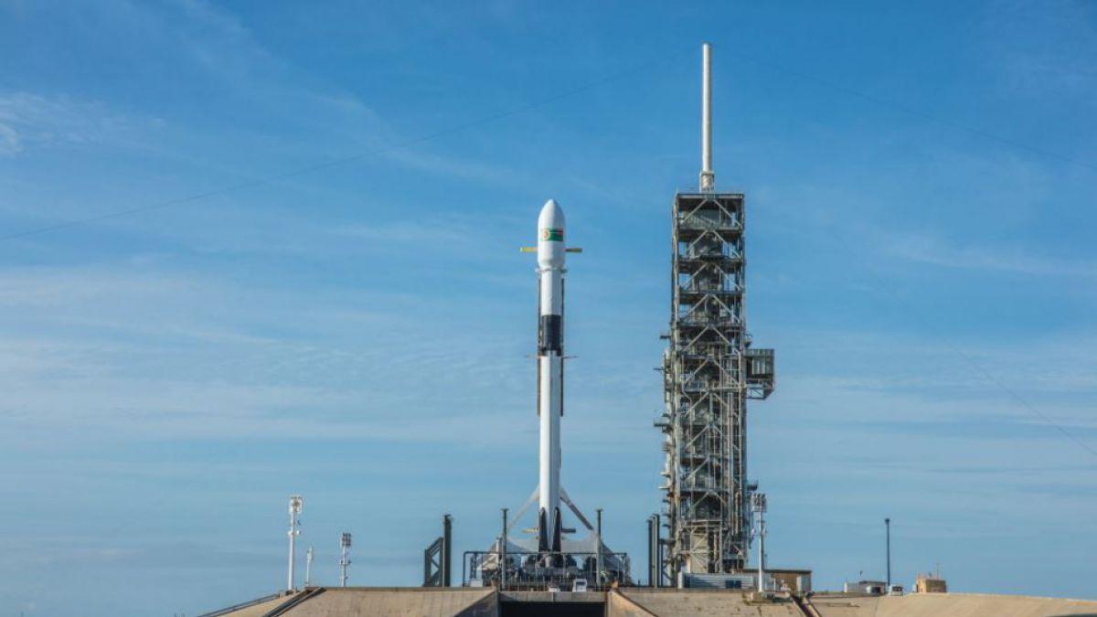 El Block 5 Falcon 9 de SpaceX hace su vuelo inaugural