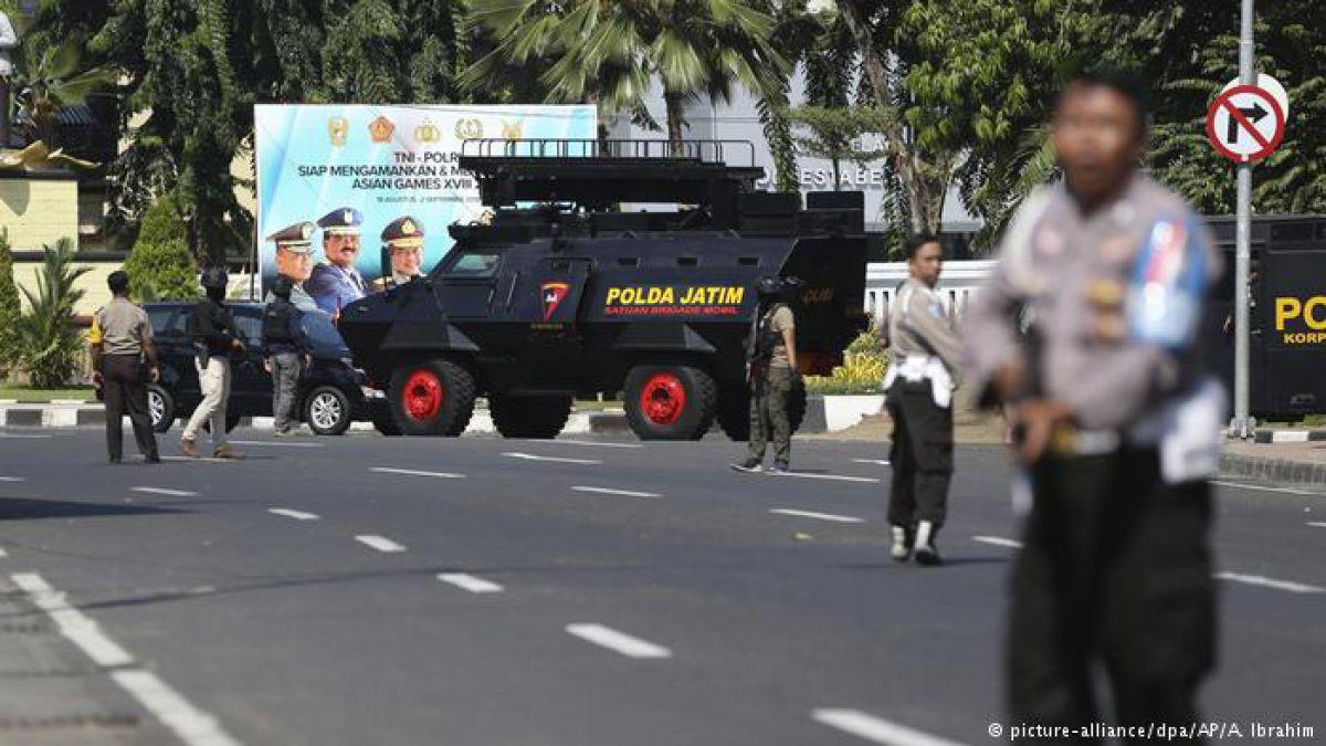 Varios heridos tras explosión de una bomba en una comisaría de Indonesia