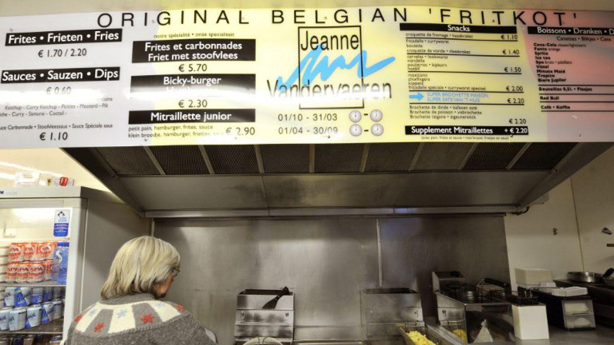 Bruselas reinventa los emblemáticos puestos de patatas fritas