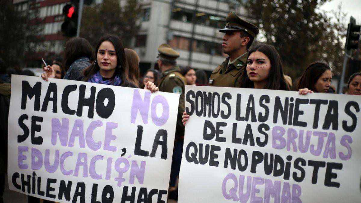 71% de la población apoya demandas feministas según Cadem