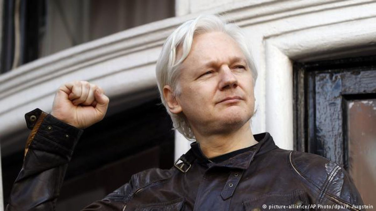 Ecuador gastó 5 millones de dólares en proteger a Julian Assange