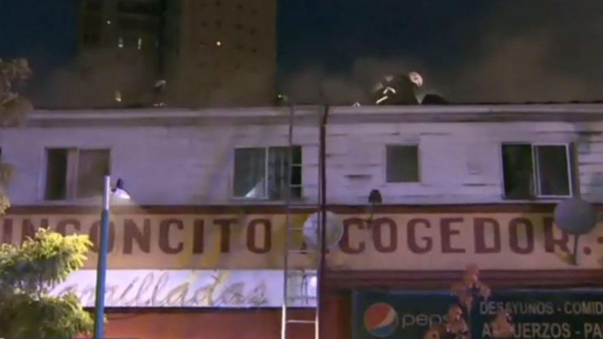 [VIDEO] Incendio en dos locales de Independencia