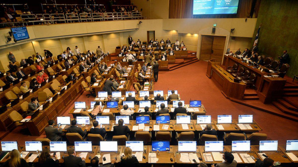 Cámara pedirá prohibición de ingreso a escoltas de autoridades tras altercado con periodistas