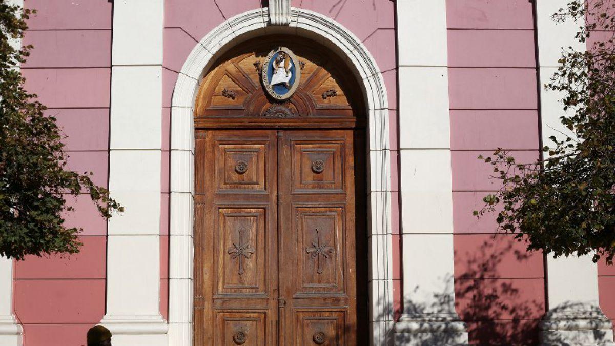 Piñera critica a la jerarquía católica chilena por ocultar abuso sexual
