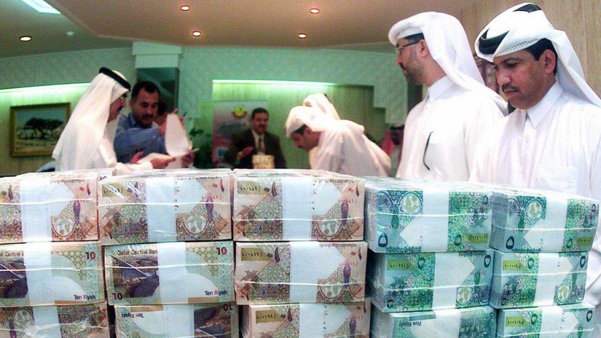 Los 10 países con la población más rica del mundo porque sus billetes valen más