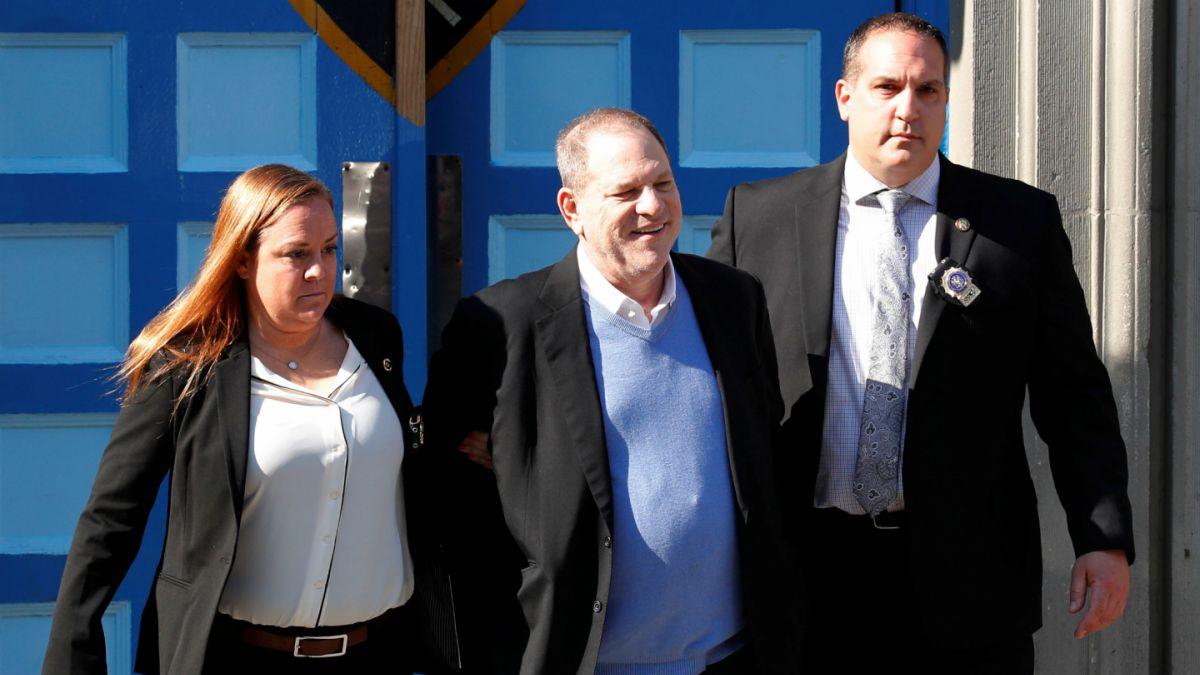 10 millones de dólares de fianza tras entregarse a la policía — Weinstein