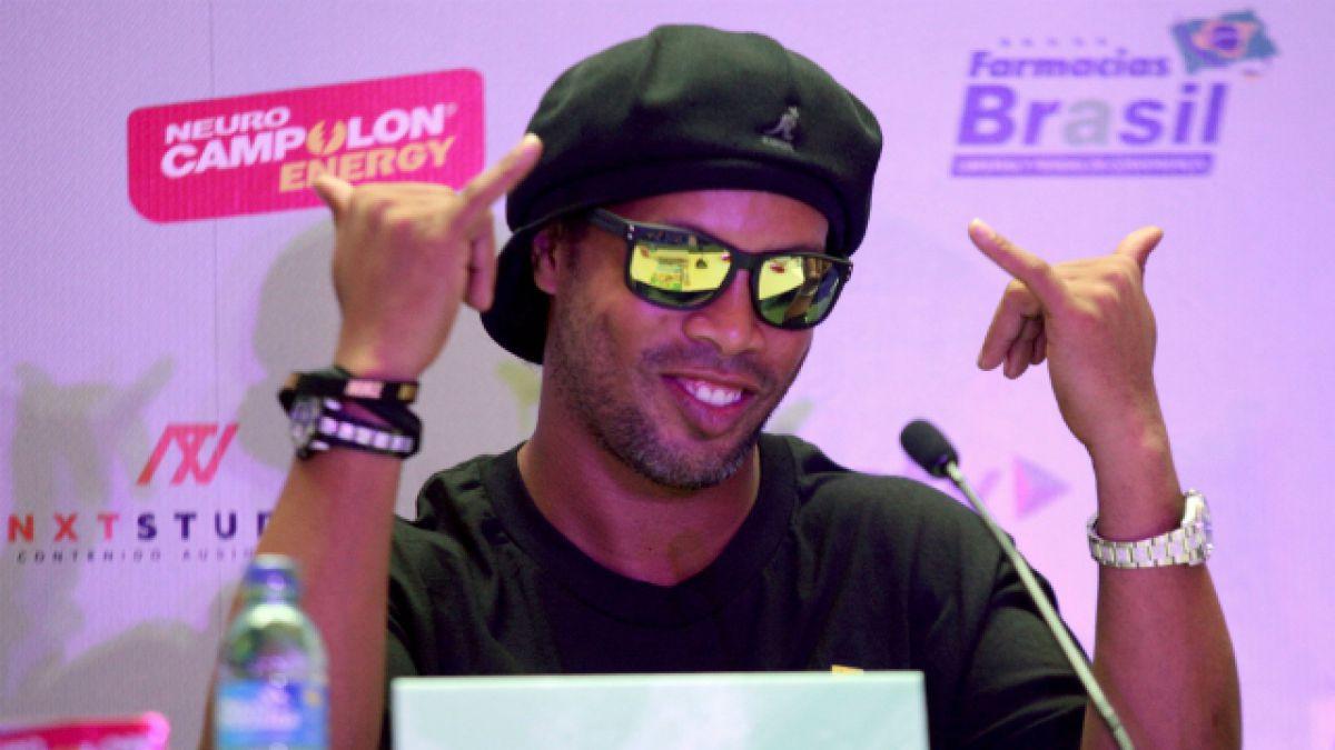 Ronaldinho se casará con dos mujeres a la vez