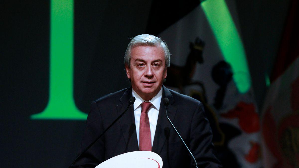 Gobierno designa a ex director de AFP Habitat como presidente de Codelco