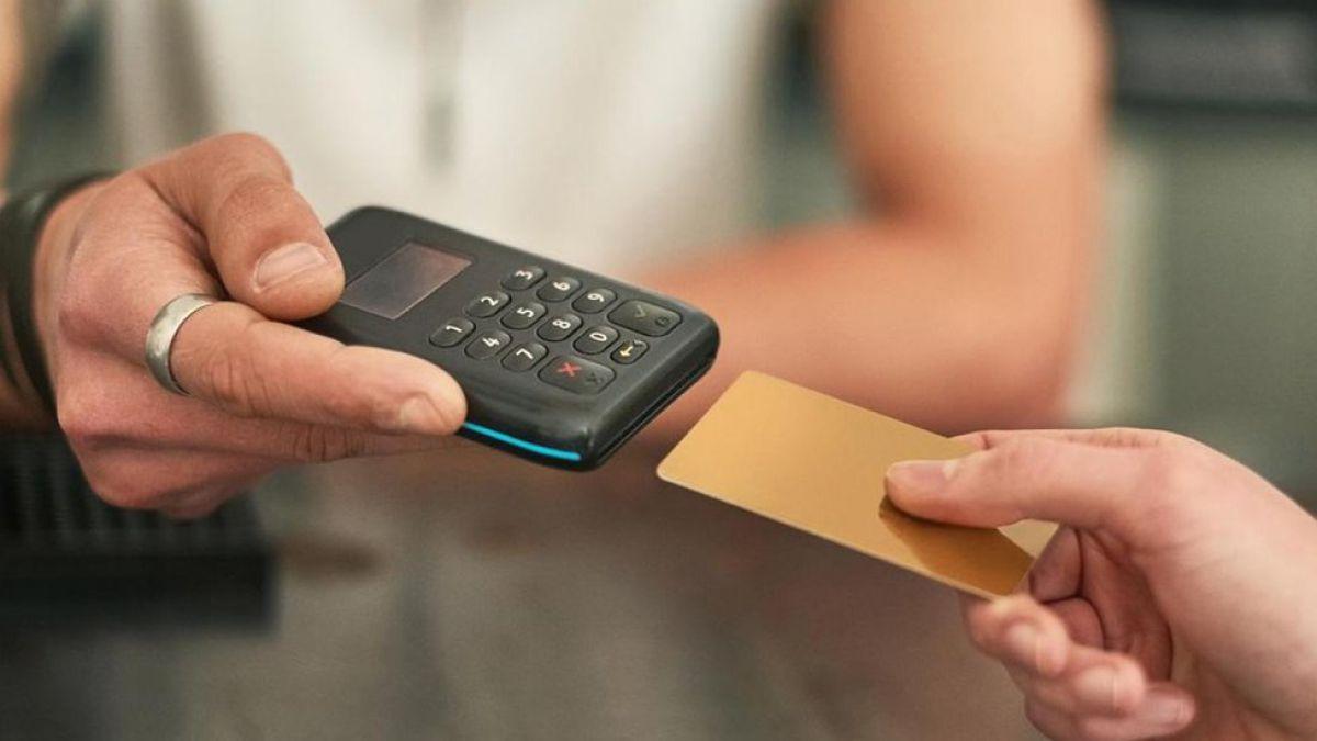 ¿Cuáles son los beneficios y los riesgos de acabar con el dinero en metálico?