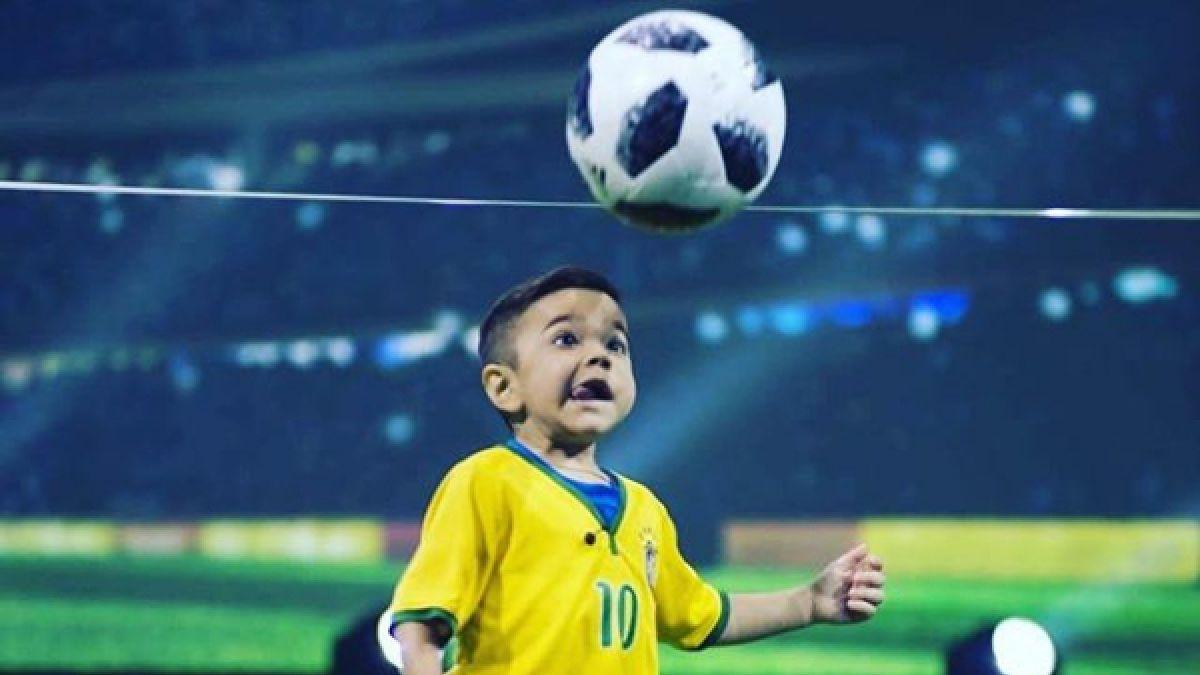 [VIDEO] Niño brasileño de 6 años es comparado con Messi pero padece enfermedad incurable