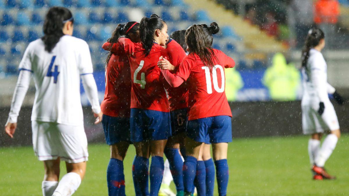 La Roja femenina deleita en Rancagua con goleada sobre Costa Rica