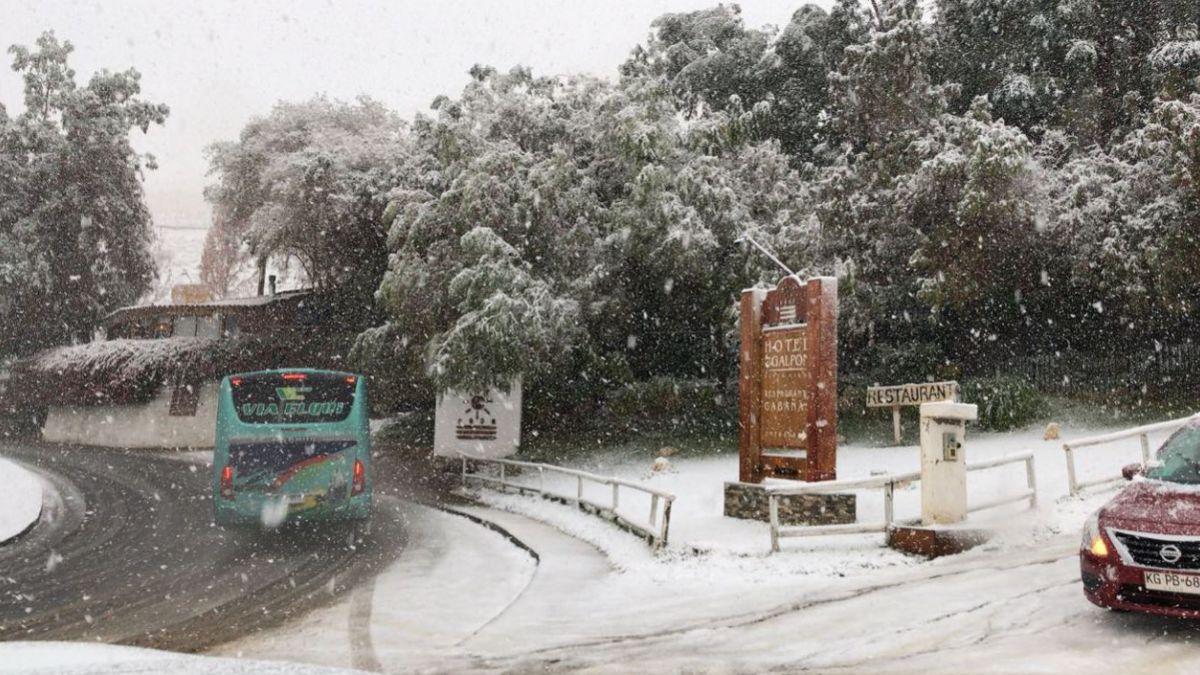 [Minuto a Minuto] Cierran camino de acceso a Paihuano por caída de nieve