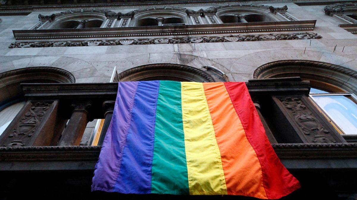Puerto Rico permite a personas transgénero cambiar certificados ...